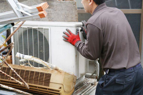不用品の出張回収専門スマイルリサイクルのエアコン回収