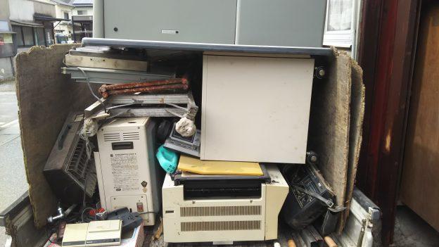 解体する家の不用品