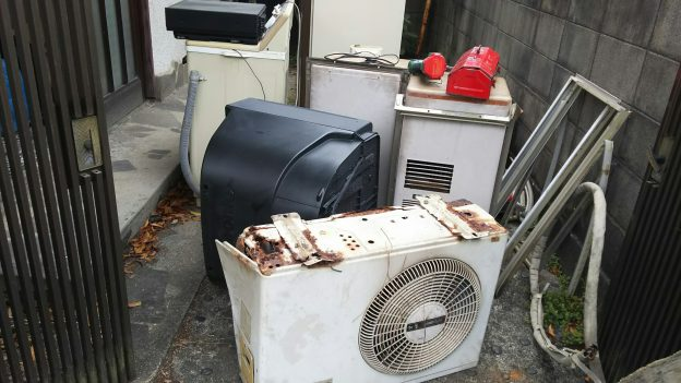 昔の窓型エアコン、エアコンその他不用品回収