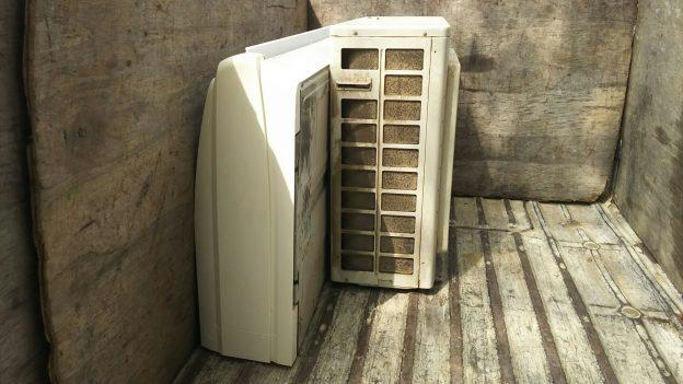 取り外し済みの業務用エアコン無料回収
