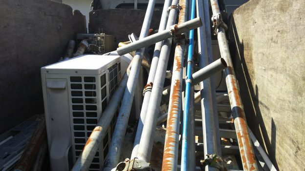エアコン回収時に鉄パイプ回収