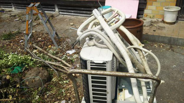 解体する民家のエアコン取り外し無料回収