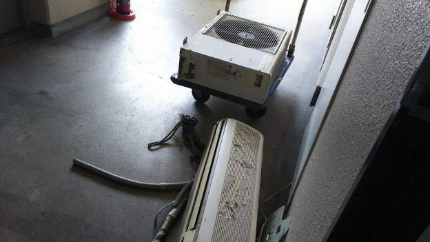 エアコン回収時に不用品も回収