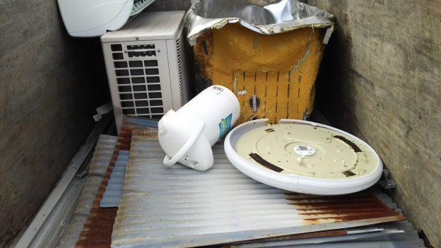 取り外し済みエアコン無料回収と不用品回収