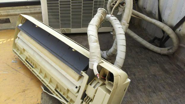 エアコン無料回収時にバッテリ-回収