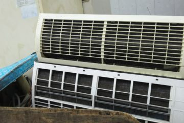 取り外し済みエアコン、温水器回収